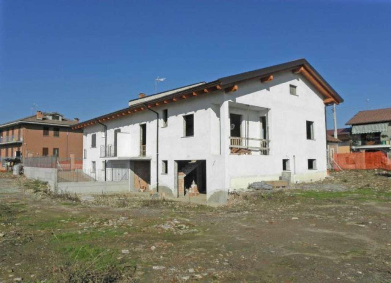 Villa a Schiera in vendita a Centallo, 8 locali, prezzo € 280.000 | Cambio Casa.it