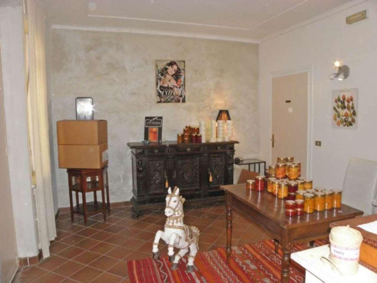 Ufficio / Studio in affitto a Centallo, 2 locali, prezzo € 400 | Cambio Casa.it