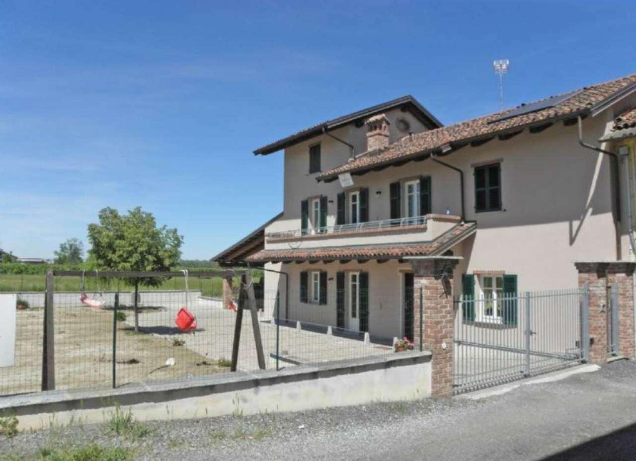Soluzione Indipendente in vendita a Centallo, 7 locali, prezzo € 375.000 | Cambio Casa.it