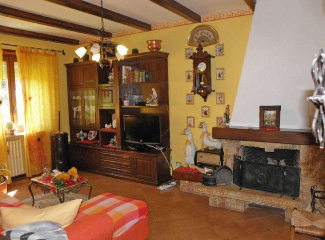 Villa a Schiera in vendita a Saluzzo, 7 locali, Trattative riservate | Cambio Casa.it