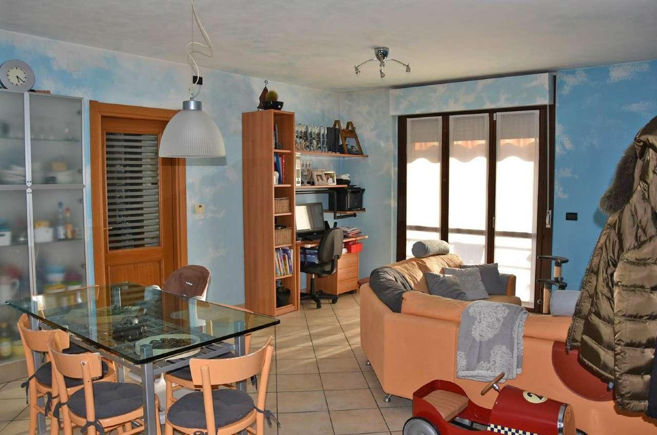 Appartamento in vendita a Caraglio, 3 locali, prezzo € 210.000 | Cambio Casa.it