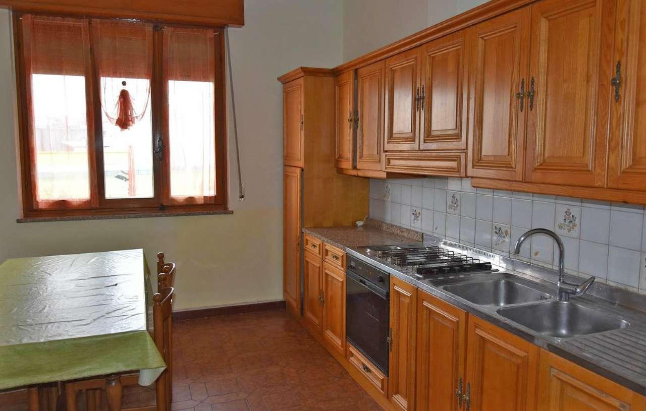 Appartamento in affitto a Busca, 6 locali, prezzo € 450 | Cambio Casa.it