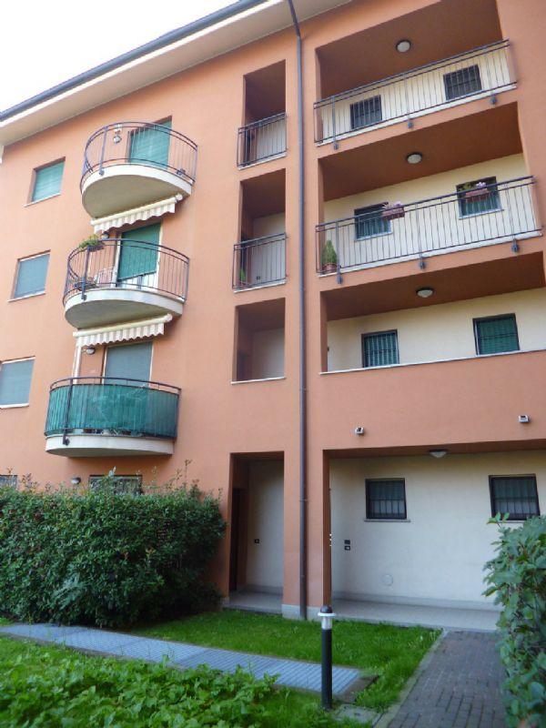 Appartamento in vendita a Carugate, 3 locali, prezzo € 210.000 | Cambio Casa.it