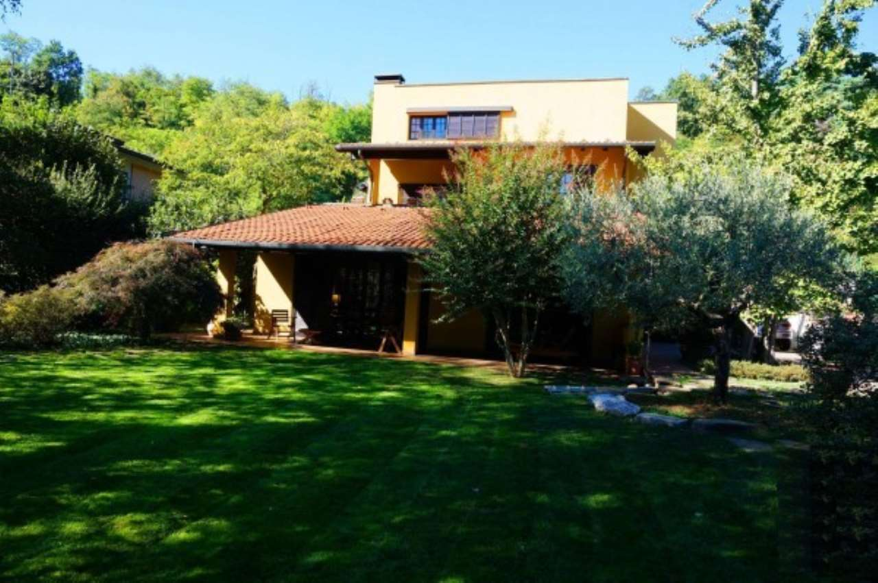 Villa in Vendita a Mariano Comense: 5 locali, 470 mq