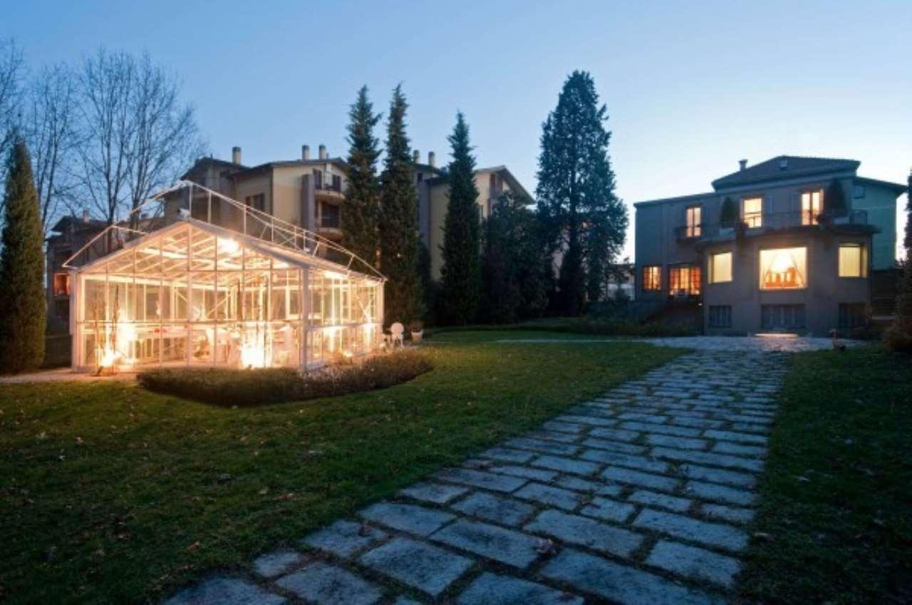 Villa in Vendita a Missaglia: 5 locali, 830 mq