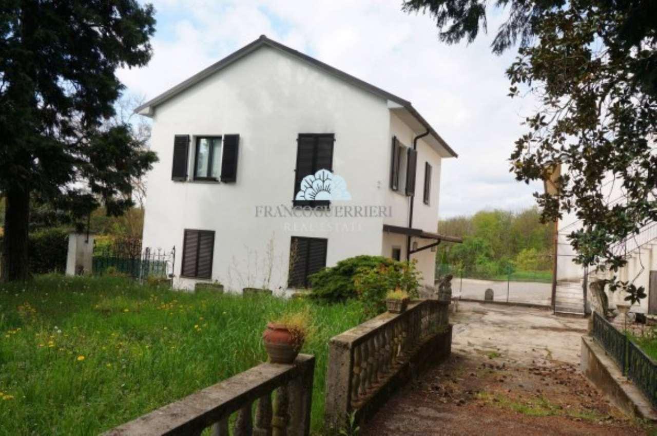 Villa in Vendita a Bellusco: 5 locali, 150 mq