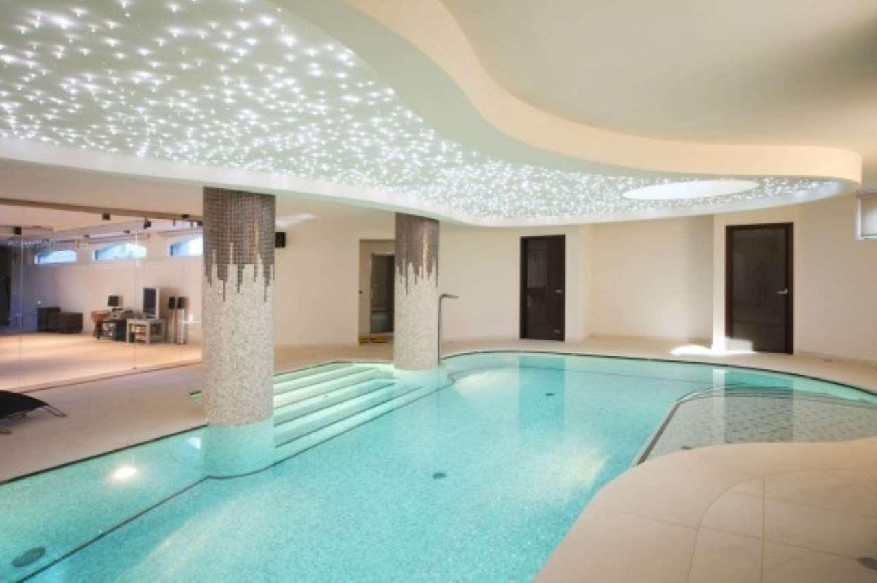Villa in Vendita a Mezzago: 4 locali, 900 mq