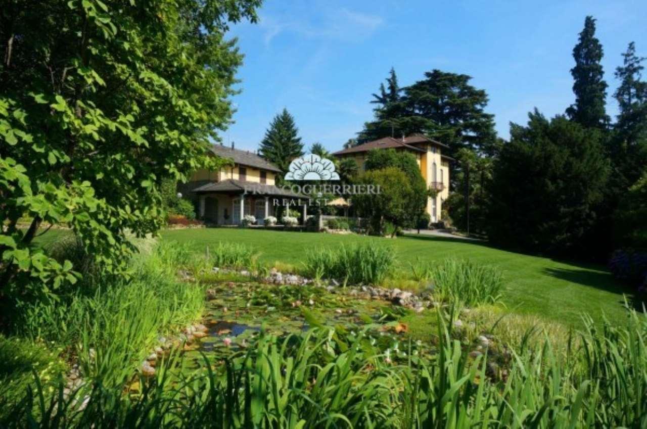 Villa in Vendita a Merate: 5 locali, 720 mq