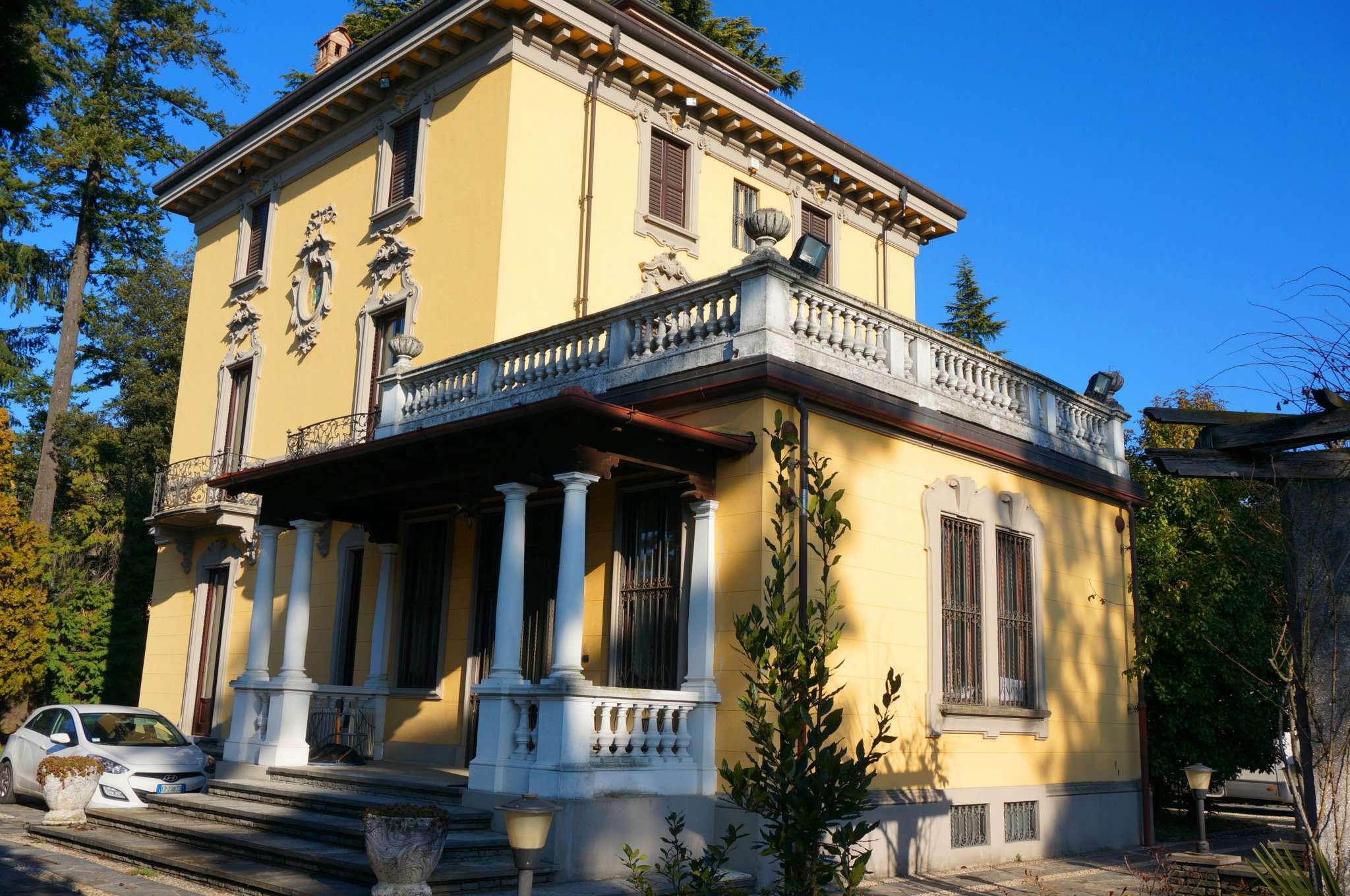 Villa in Vendita a Merate: 5 locali, 620 mq