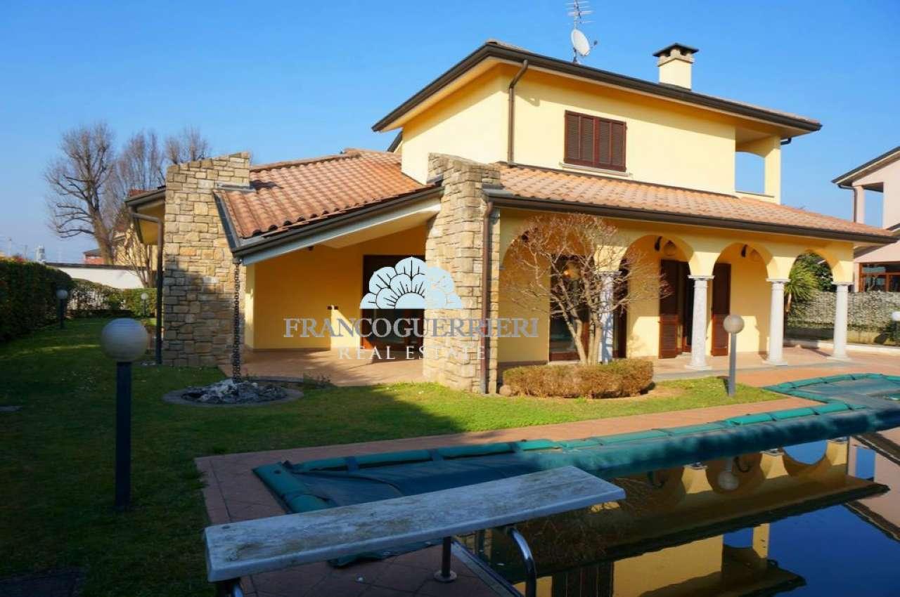 Villa in Vendita a Mezzago: 5 locali, 480 mq