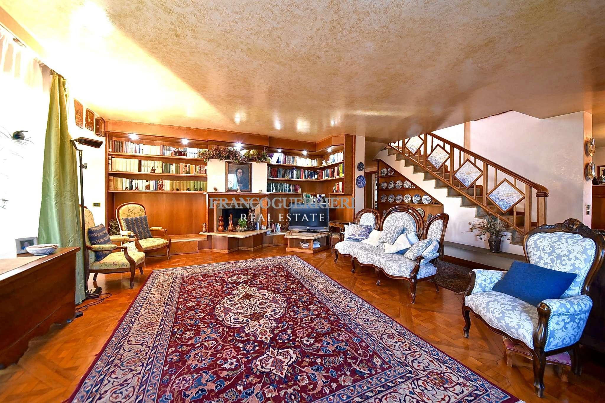 Villa In Vendita A Arcore Via Del Ronco