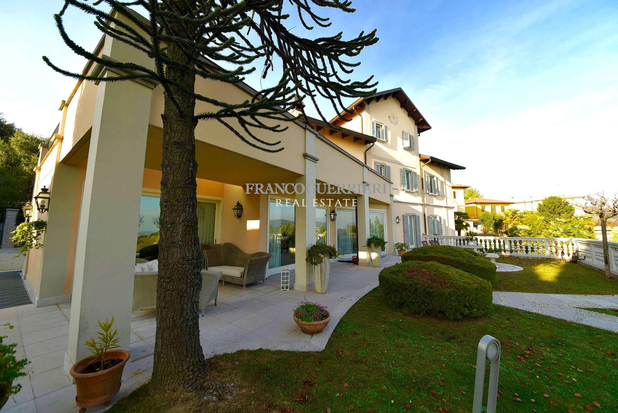 Villa in Vendita a Monticello Brianza: 5 locali, 517 mq