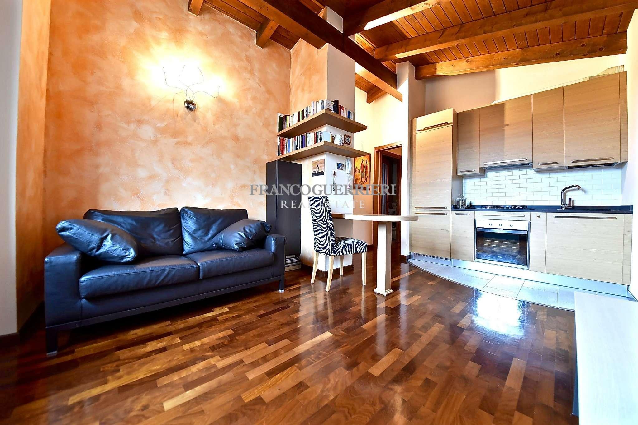 Appartamento in Vendita a Monticello Brianza: 2 locali, 65 mq