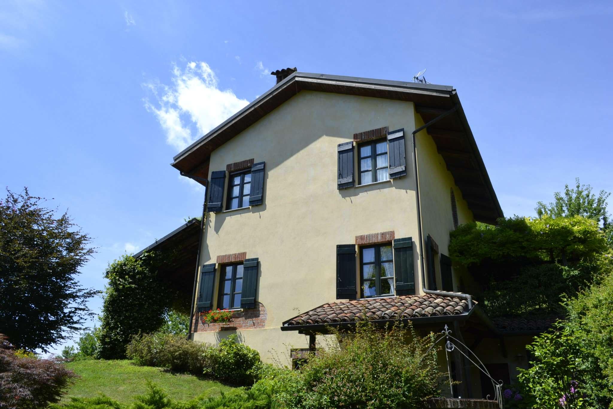 Villa 6 locali in vendita a Soglio (AT)