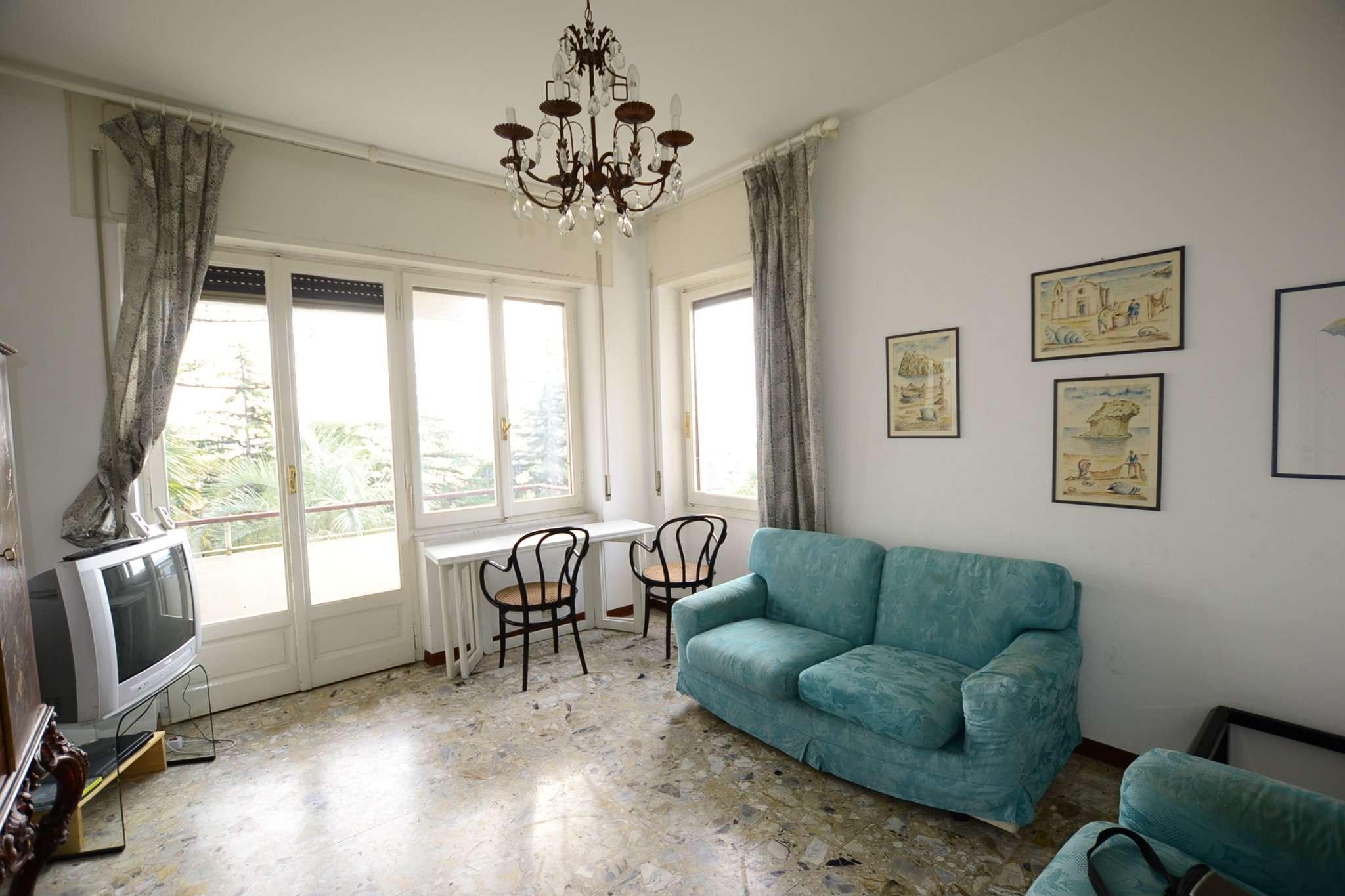 Appartamento 5 locali in vendita a Sanremo (IM)