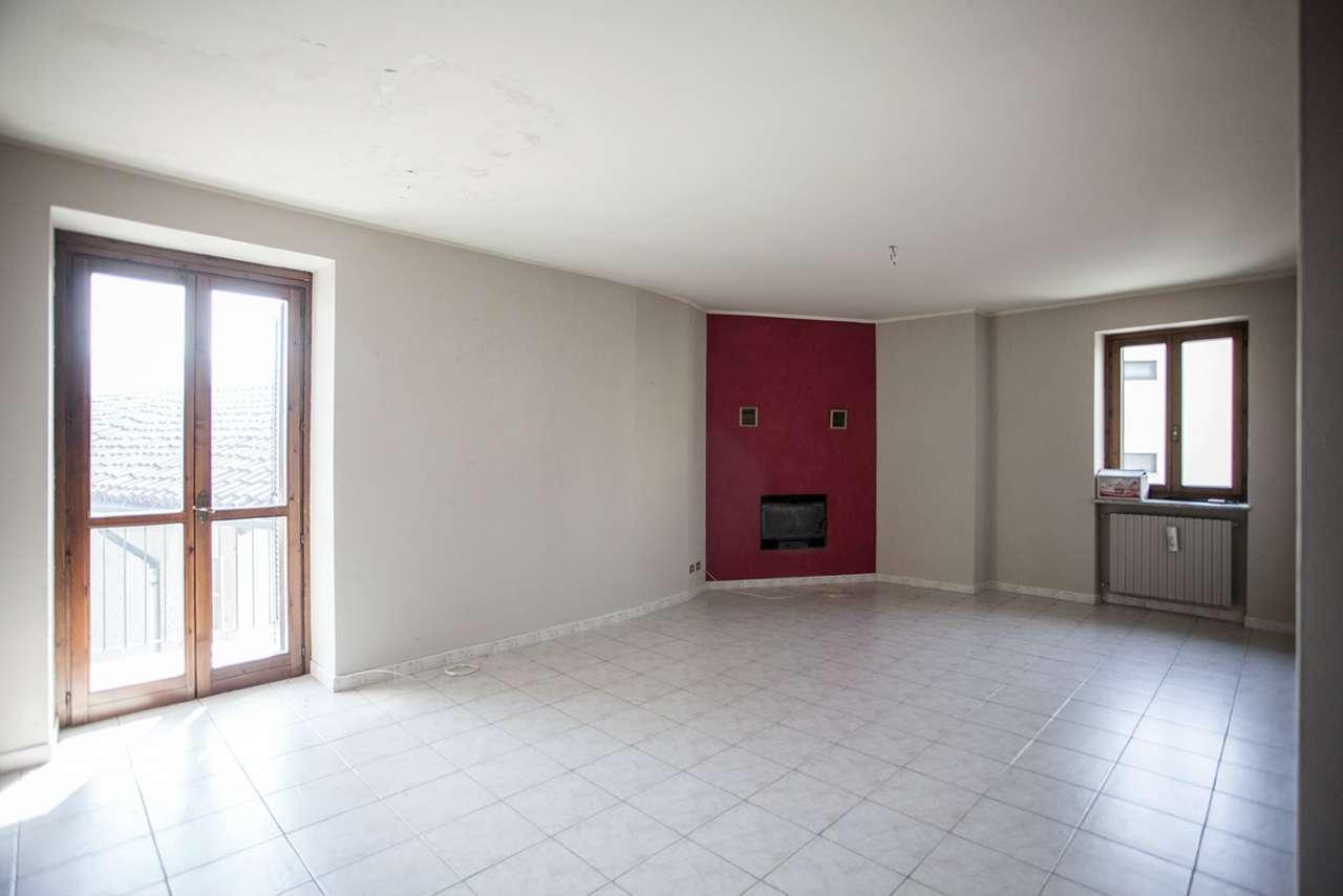 Appartamento in affitto a Gassino Torinese, 4 locali, prezzo € 600   Cambio Casa.it