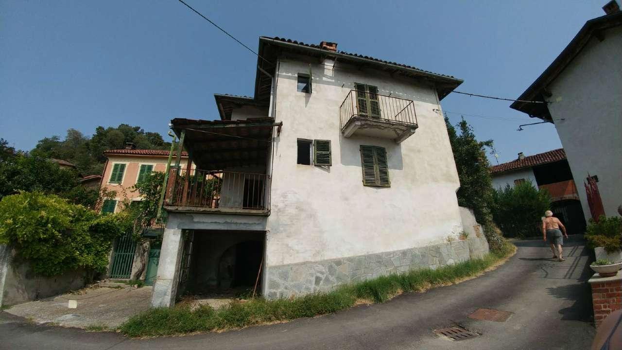 Rustico / Casale in vendita a Piea, 9 locali, prezzo € 10.000   CambioCasa.it