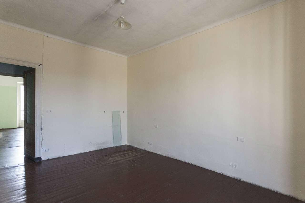 Ristrutturare Bagno Casa In Affitto : Appartamento posto al quarto ed ultimo piano senza ascensore di mq