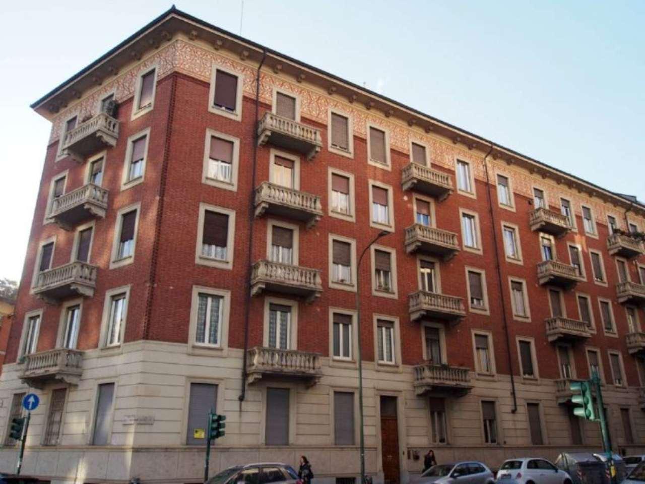 Bilocale Torino Via Moretta 2
