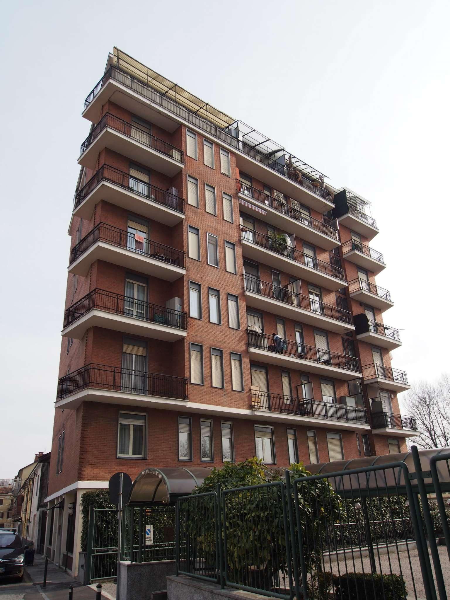 Bilocale Torino Via Caselette 2