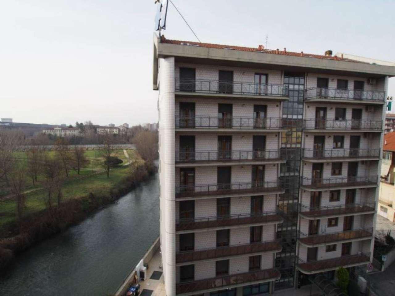 Bilocale Torino Via Caselette 12
