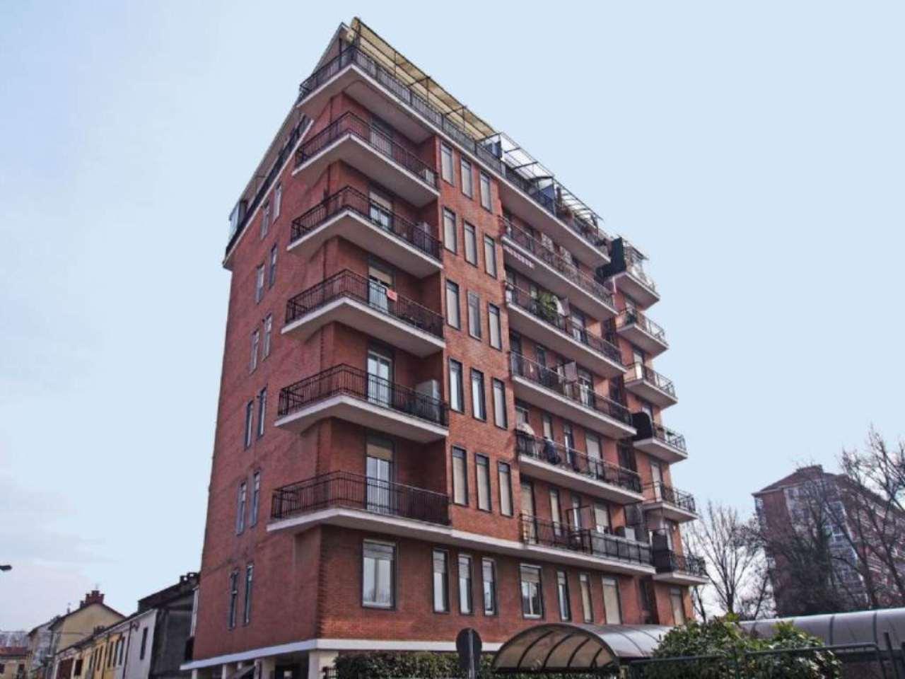 Bilocale Torino Via Caselette 1