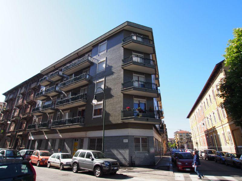 Bilocale Torino Via Revello 2