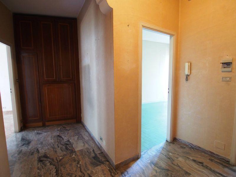 Bilocale Torino Via Revello 6