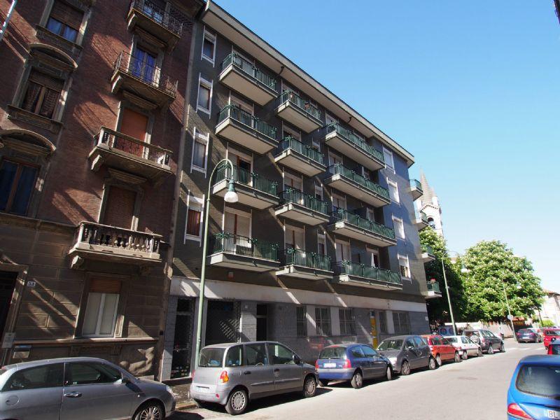 Bilocale Torino Via Revello 13
