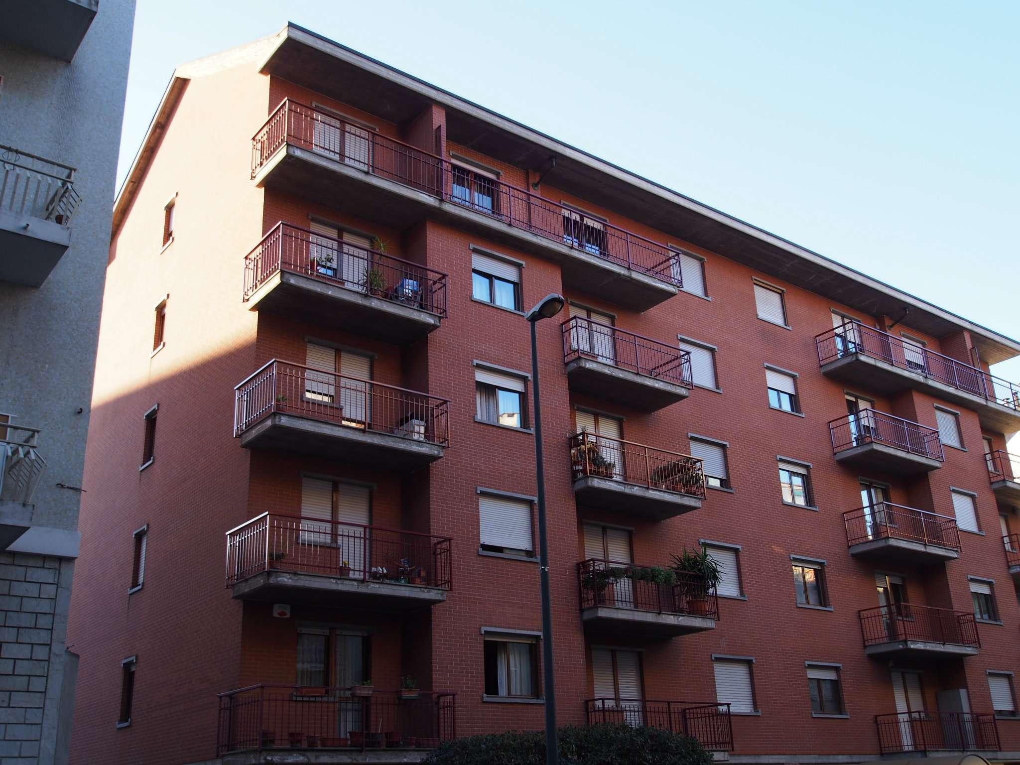 Bilocale Torino Via Monte Rosa 1