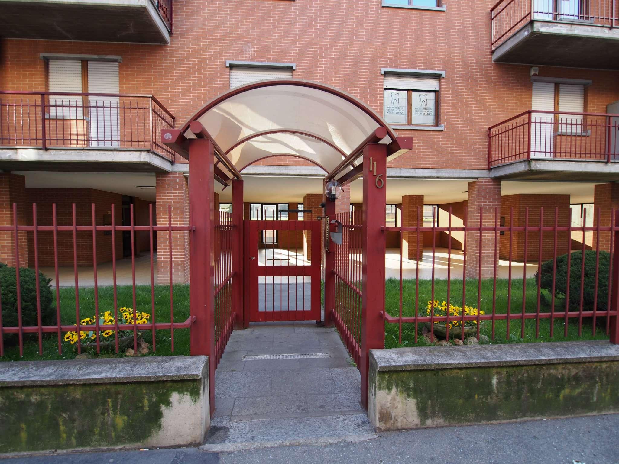 Bilocale Torino Via Monte Rosa 4
