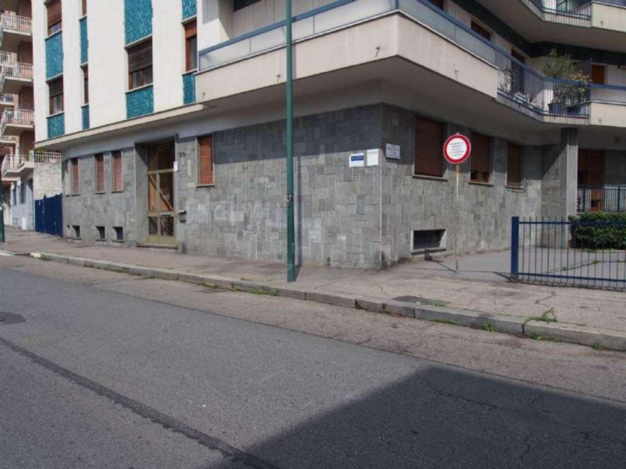 Bilocale Torino Via Bardonecchia 10