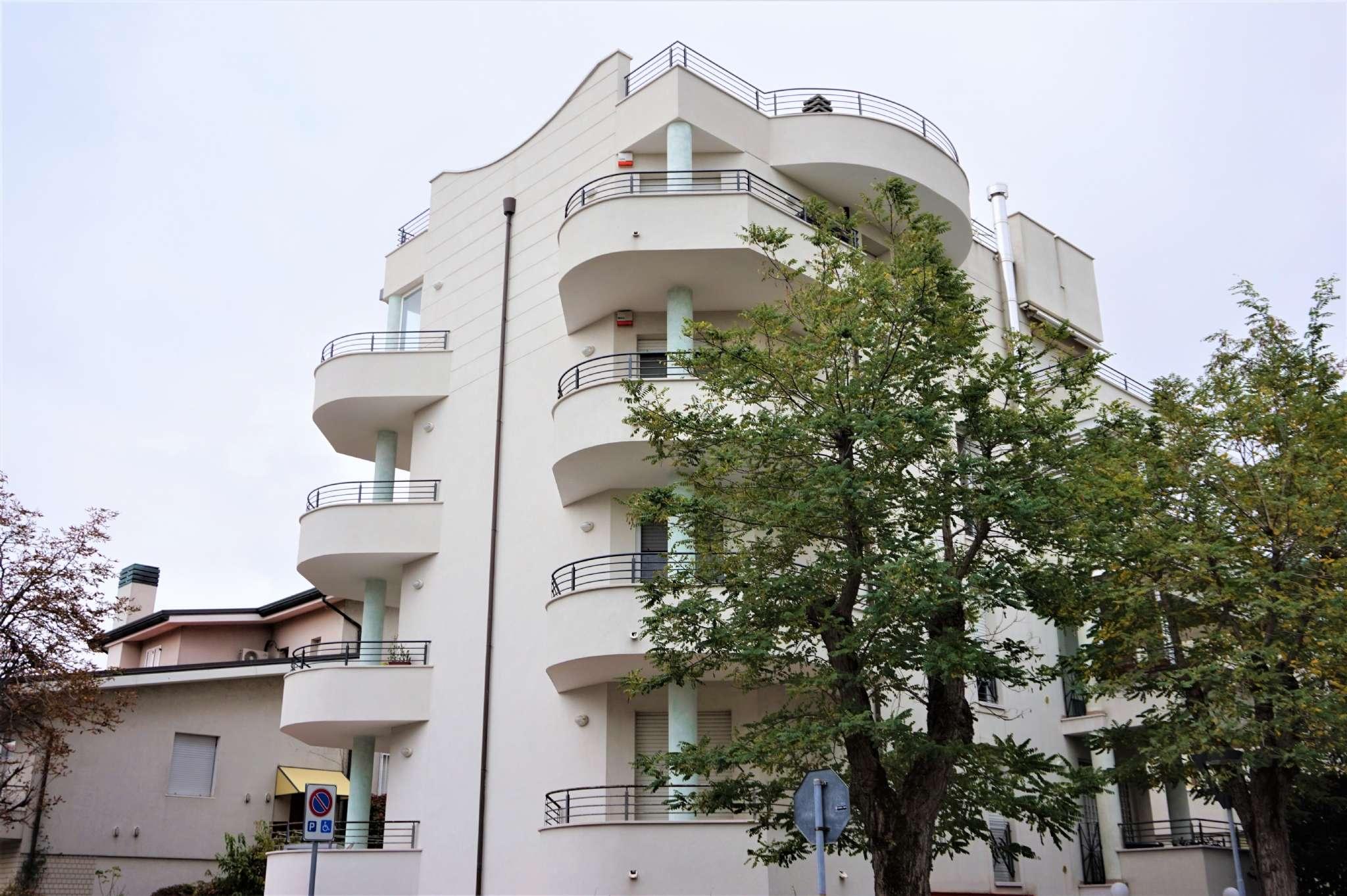 Appartamento in vendita via Lauro De Bosis Rimini