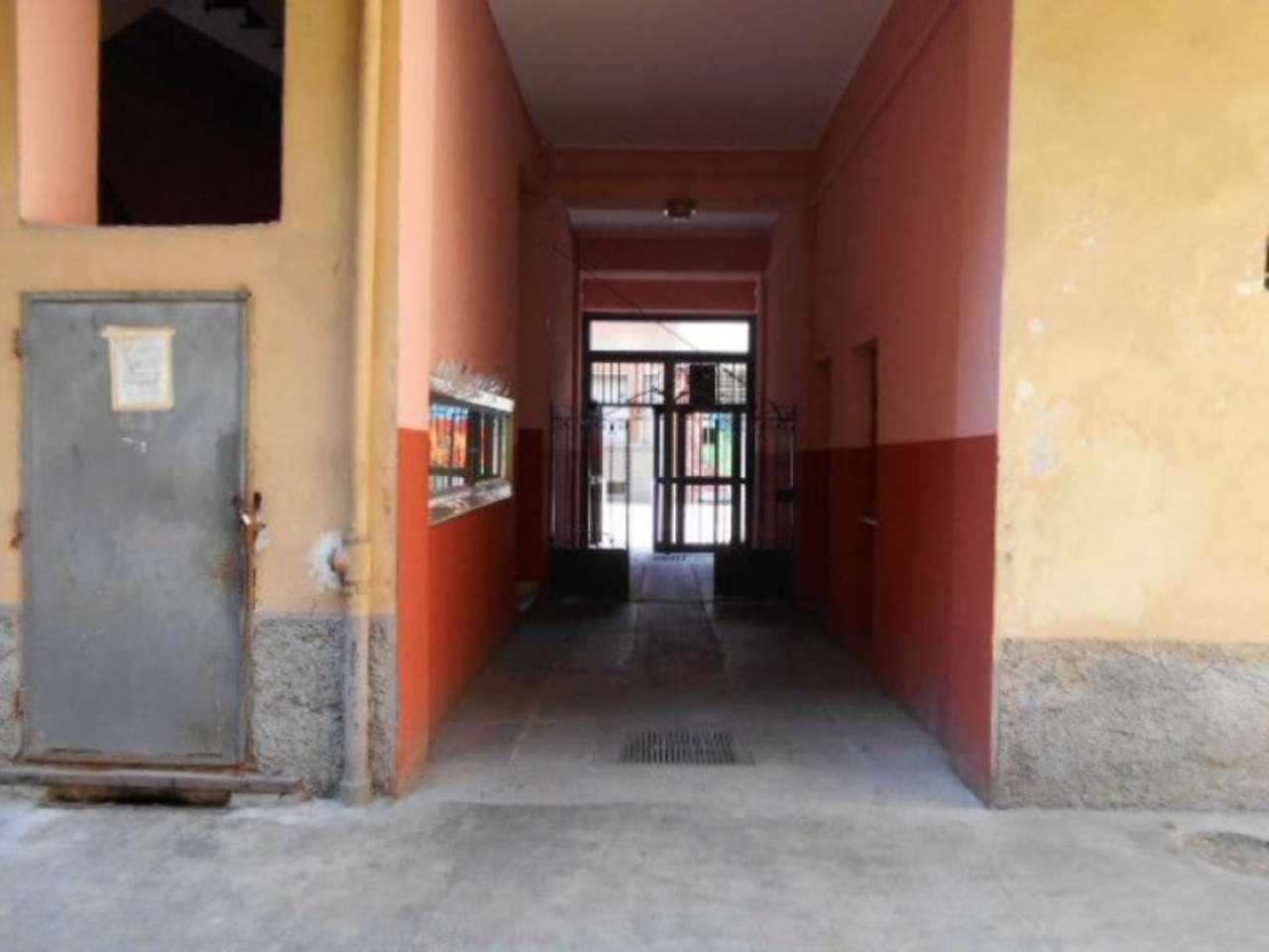 Bilocale Milano Via Arquà 4