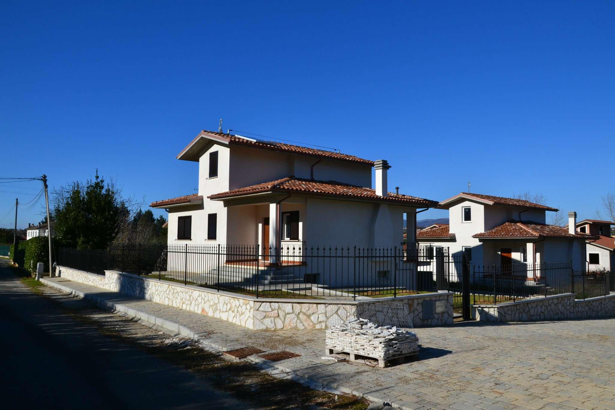 Villa in vendita a Scandriglia, 4 locali, prezzo € 244.000 | Cambio Casa.it