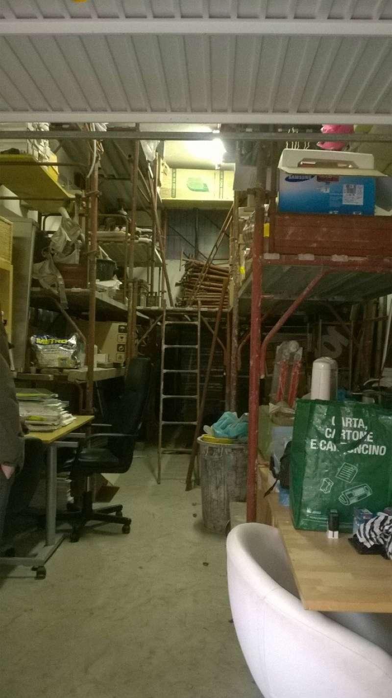 Box / Garage in vendita a Pomezia, 1 locali, prezzo € 34.000 | CambioCasa.it