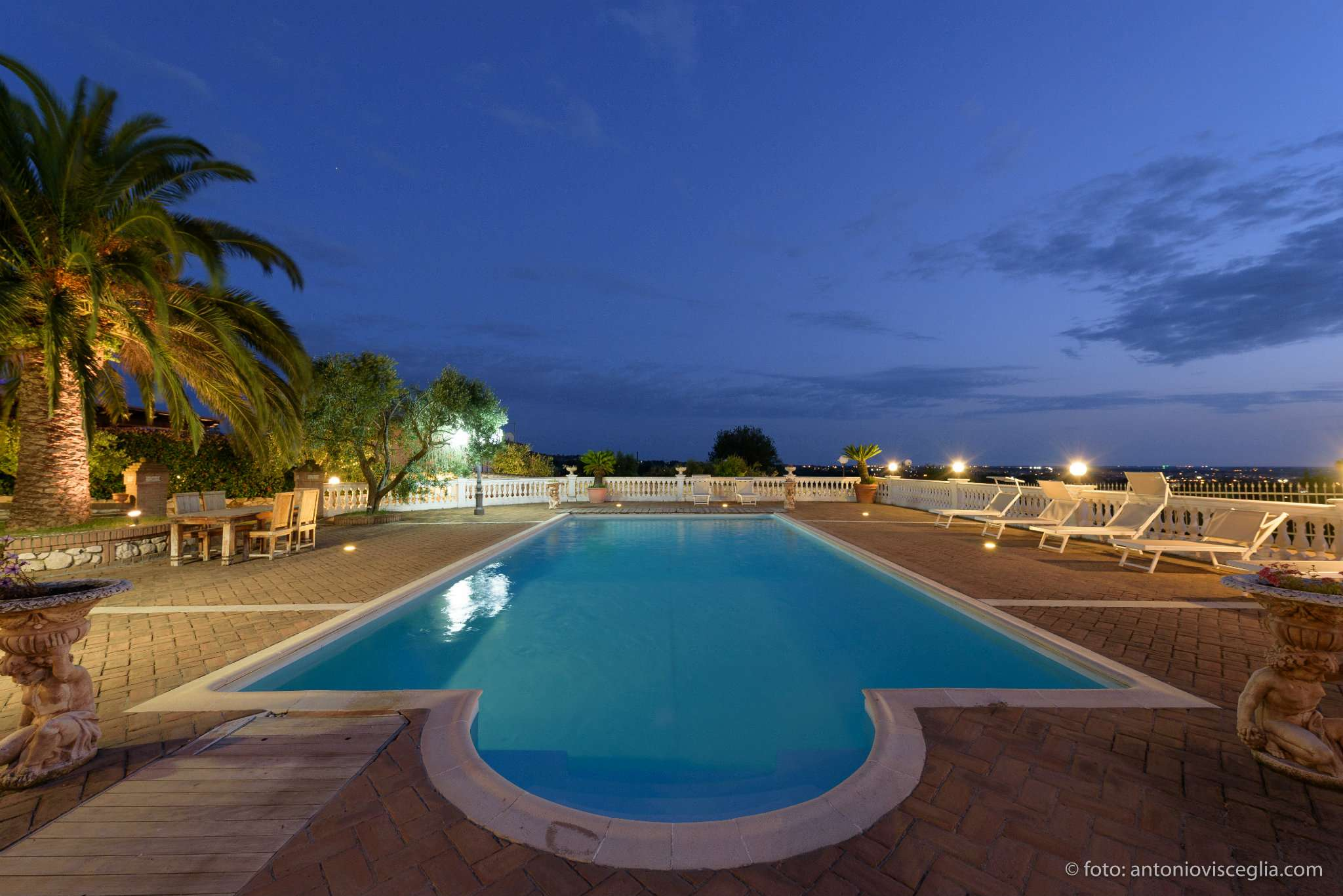 Villa in vendita a Grottaferrata, 11 locali, prezzo € 1.300.000 | CambioCasa.it