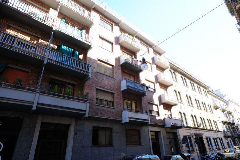 Bilocale Torino Via Lombroso 3