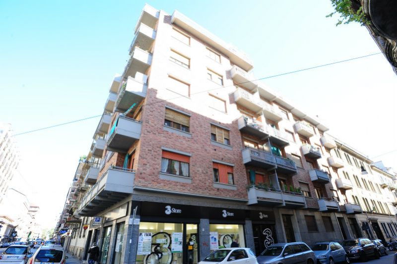 Bilocale Torino Via Lombroso 1