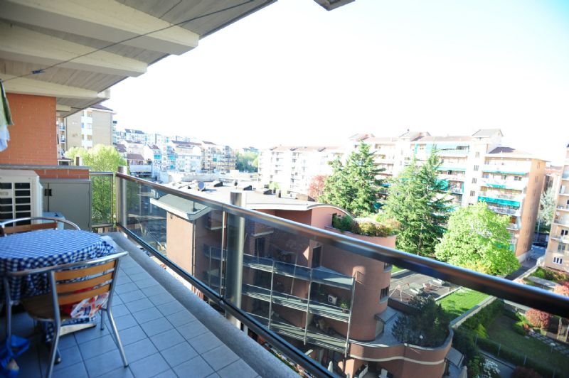 Bilocale Torino Via Buenos Aires 5