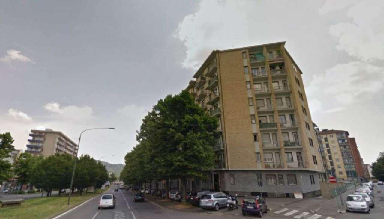 Bilocale Torino Corso Maroncelli 12