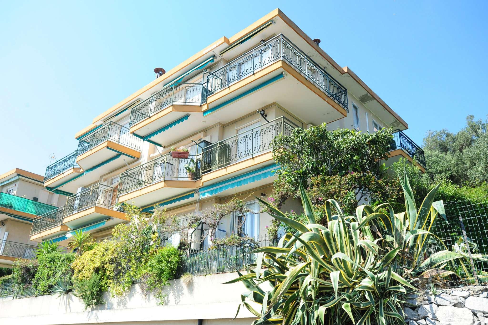 Foto - Appartamento In Vendita  Pietra Ligure