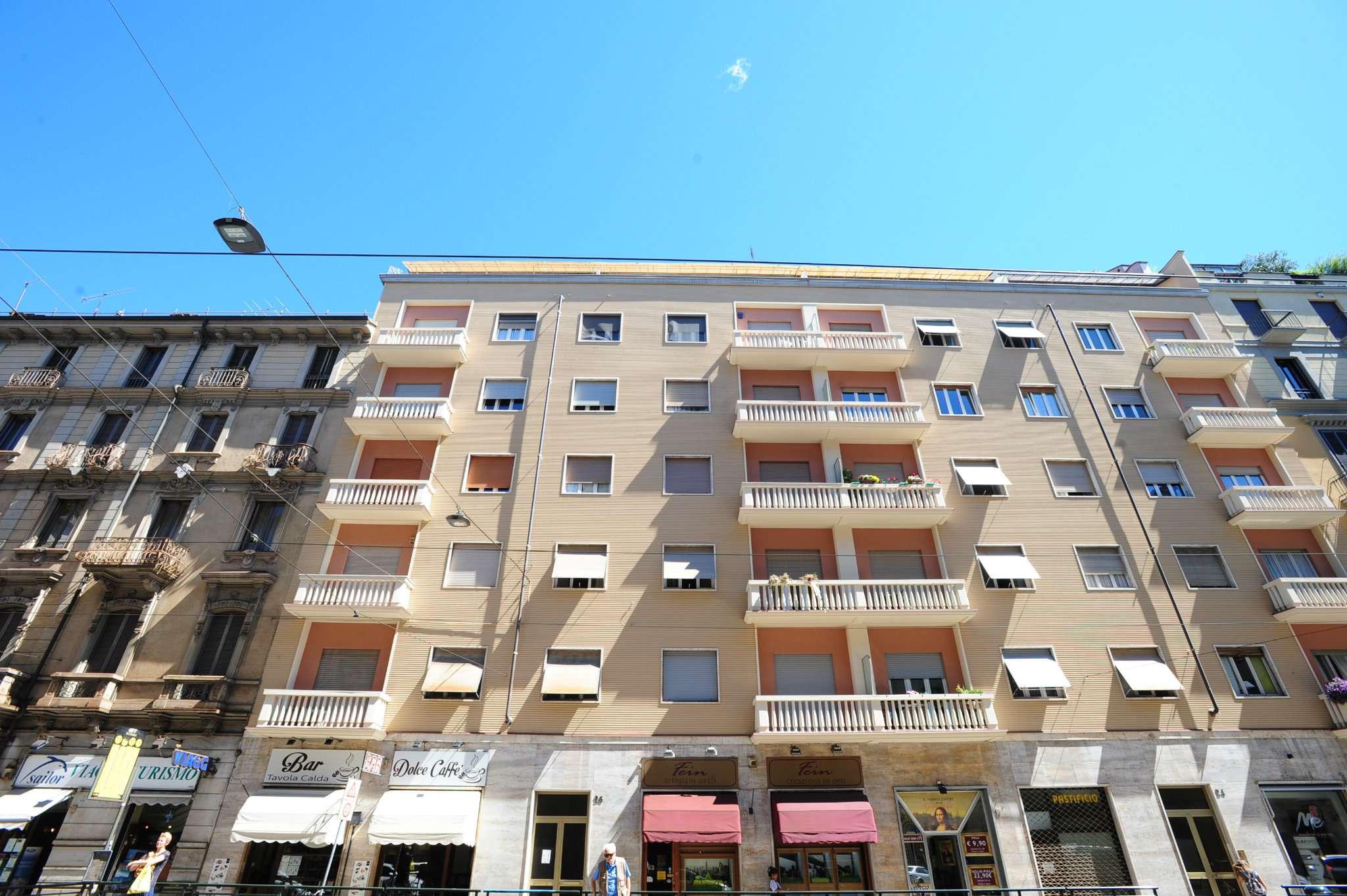 Immagine immobiliare Appartamento in affitto ampio quadrilocale. Via Cibrario 26 pressi Via Principi d'Accaja ,comodo alla metropolitana,affittiamo al primo pianoin stabile con ascensore ,ampio appartamento in buono stato composto: da ampio ingresso, salone...