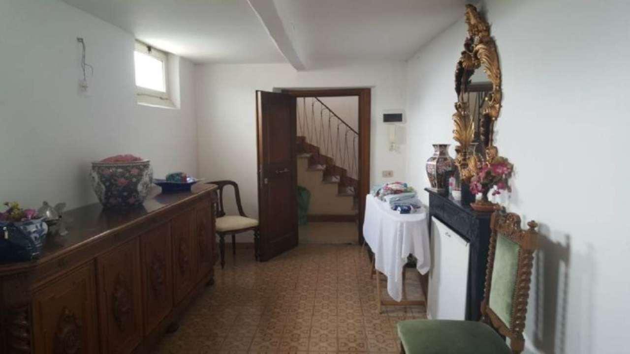 Appartamento in vendita a Ronciglione, 9999 locali, prezzo € 130.000 | Cambio Casa.it