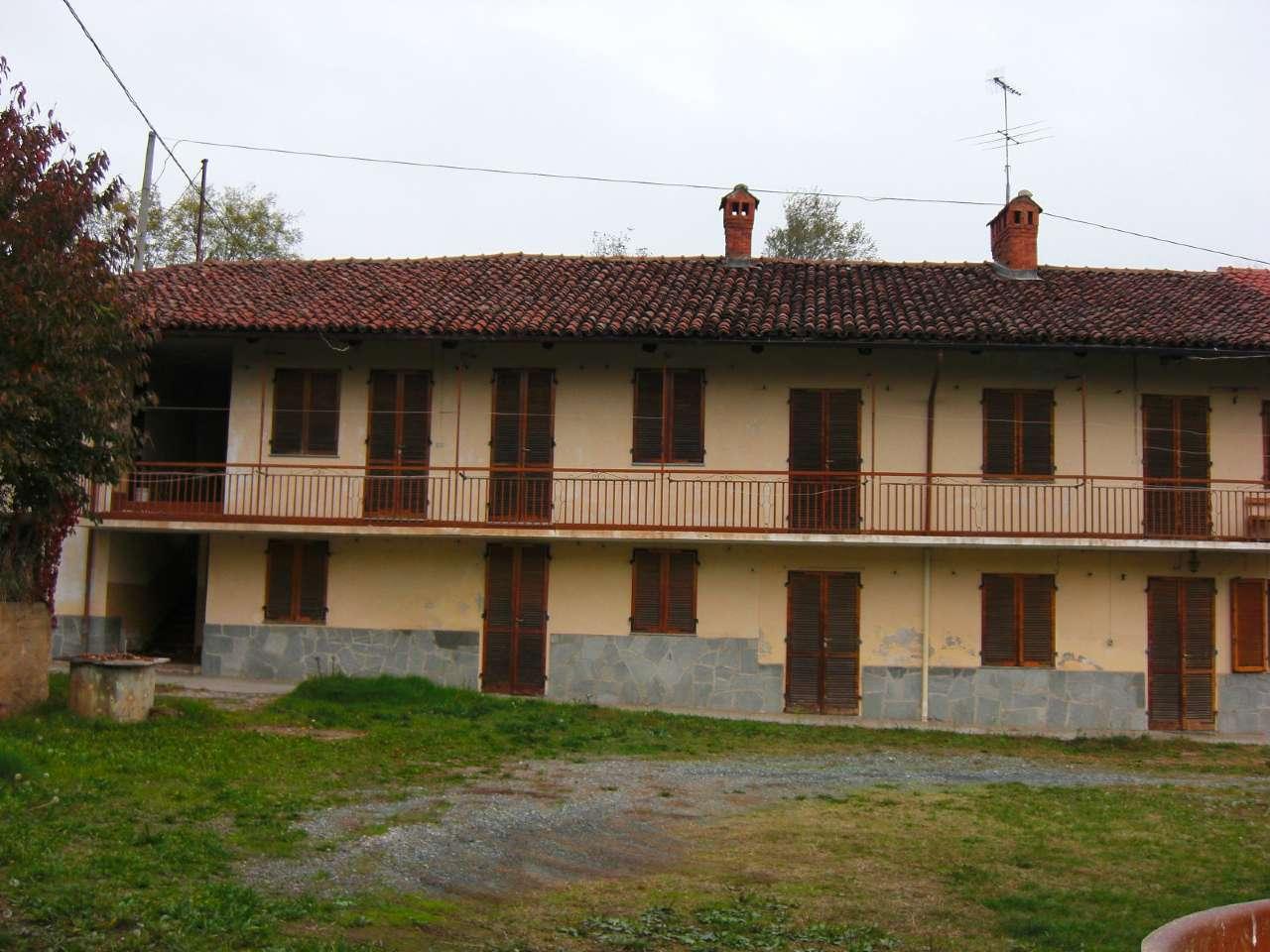 Soluzione Indipendente in vendita a Rivoli, 14 locali, prezzo € 390.000 | Cambio Casa.it