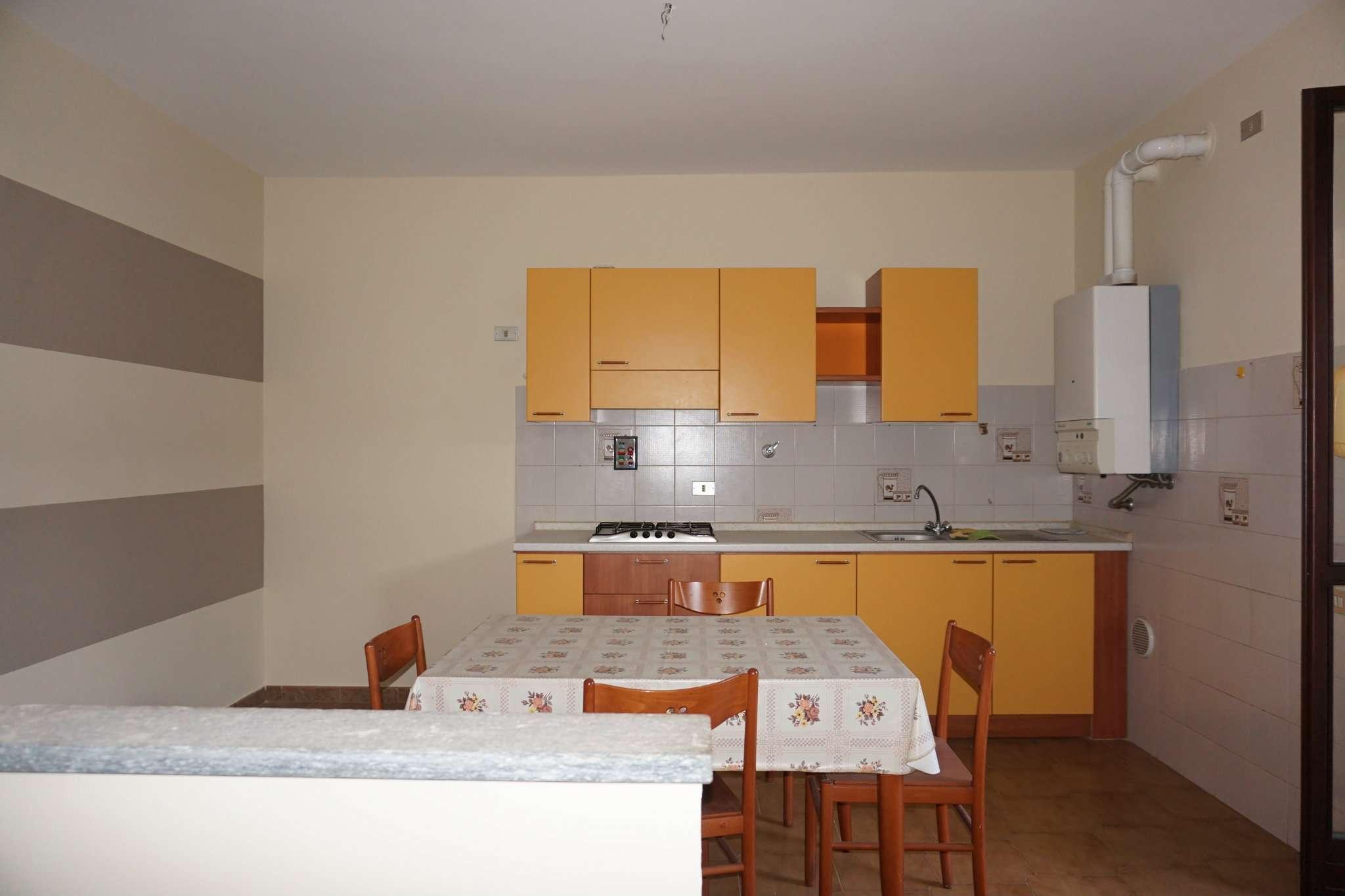 Appartamento in affitto a Carmagnola, 2 locali, prezzo € 320 | Cambio Casa.it