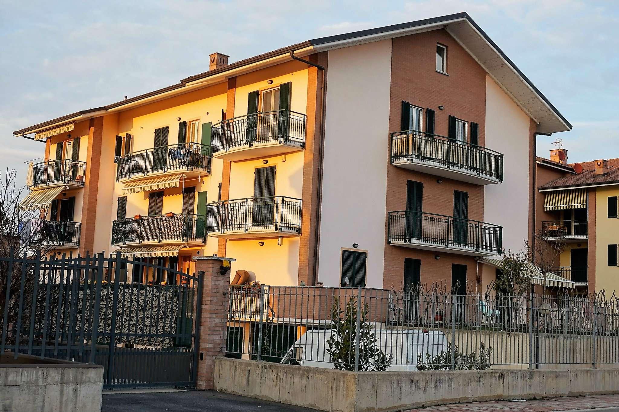 Appartamento in vendita a Carmagnola, 4 locali, prezzo € 158.000 | Cambio Casa.it