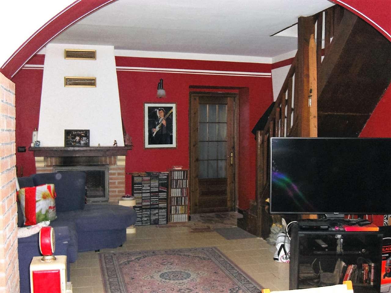 Foto 1 di Casa indipendente strada provinciale 34, Rocca Canavese