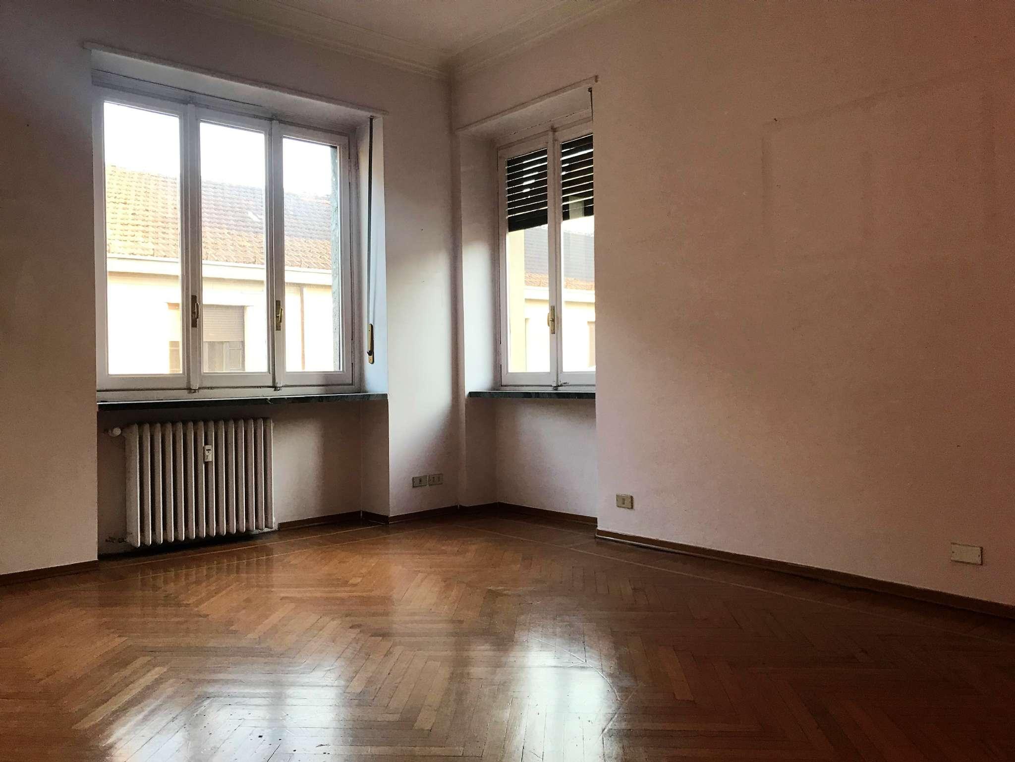 Appartamento quadrilocale in affitto a Torino (TO)