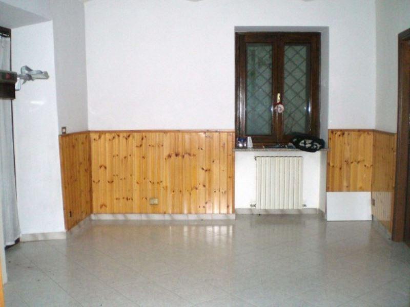 Appartamento in vendita a Avigliana, 4 locali, prezzo € 93.000 | Cambio Casa.it
